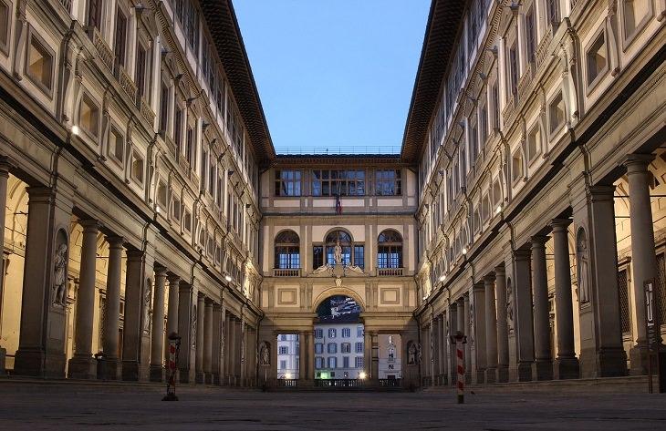 אטרקציות ויעדים בפירנצה: מבנה גלריית אופיצי