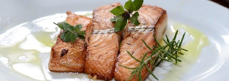 חסכים תזונתיים הגורמים לדכאון: דג סלמון