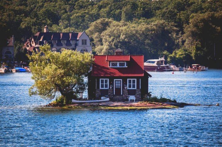 בתים מיוחדים מרחבי העולם: בית על אי