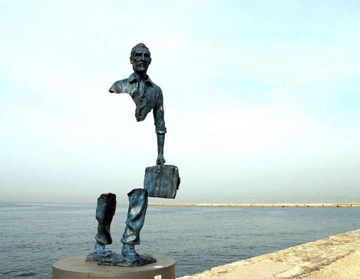 """פסלים שקוראים תיגר על כוח המשיכה: פסל """"ואן גוך הגדול"""""""