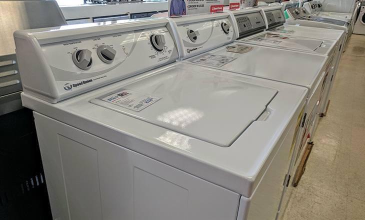שדרוגים לא נחוצים במכשירי חשמל: מכונות כביסה בחנות