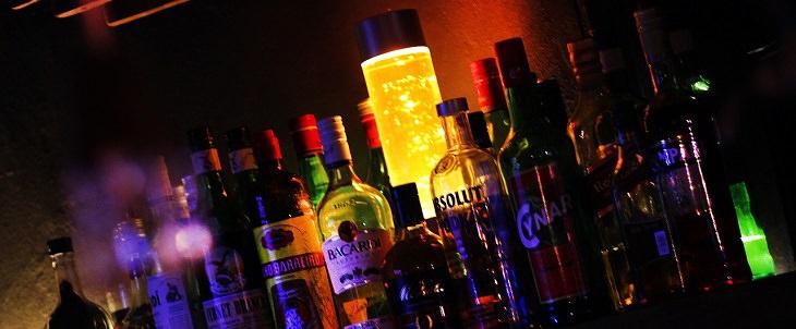 מזונות שמשפיעים על ריח הגוף: משקאות אלכוהוליים