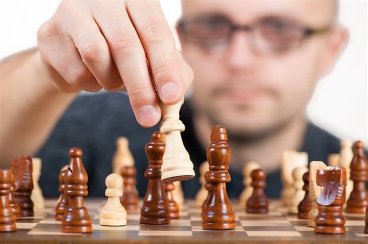 עצות לחיים מחולת סרטן בת 90: איש משחק שחמט
