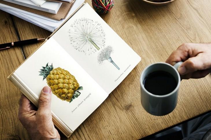 רגלים בריאים לחיים טובים: ספל קפה וספר