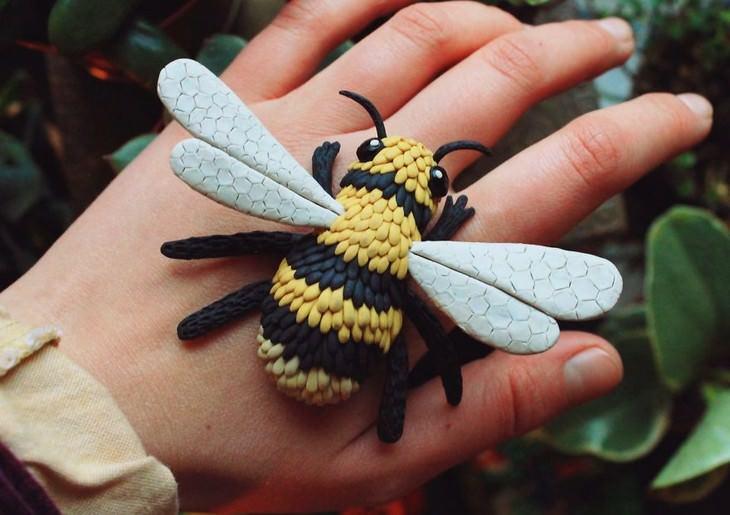 פסלי חימר של חיות: דבורה