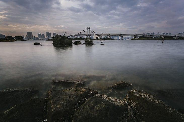 יפן ב-14 ימים: מפרץ טוקיו וגשר הקשת מצולם מאודאיבה