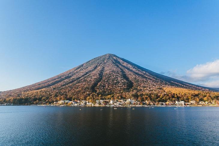 יפן ב-14 ימים: הר ננטאי ואגם צ'וזנג'י-קו מערבית לניקו