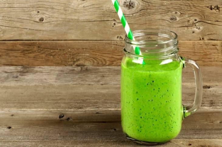 """משקאות אנרגיה טבעיים: משקה אנרגיה מנקה רעלים של ד""""ר גרין"""