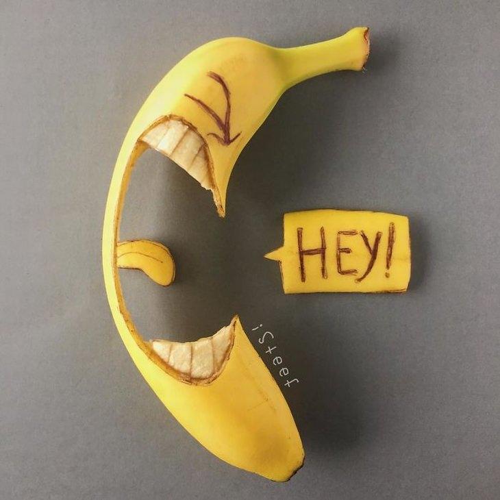"""אומנות מבננות: בננה עם """"פה"""" פתוח שצועקת """"היי!"""""""