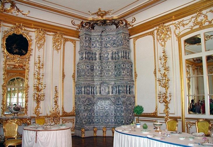 אוצרות אבודים: חדר הענבר המשוחזר ברוסיה