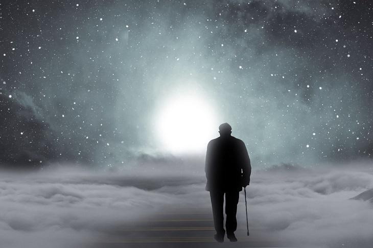 מחקר פורץ דרך: גבר הולך לעבר ירח
