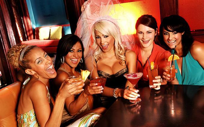 מבחן עברית: נשים במסיבת רווקות