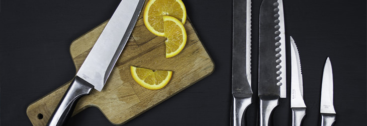 דברים שאסור לנקות עם חומץ: סכינים