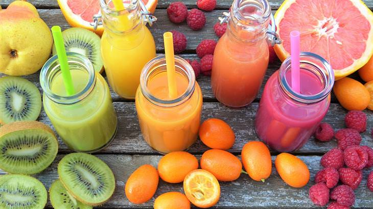 סיבות לשטפי דם תת עוריים: משקאות מיץ טבעיים