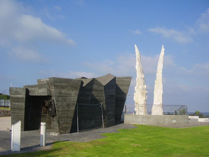 פסלים בישראל: אנדרטת הניצחון בנתניה