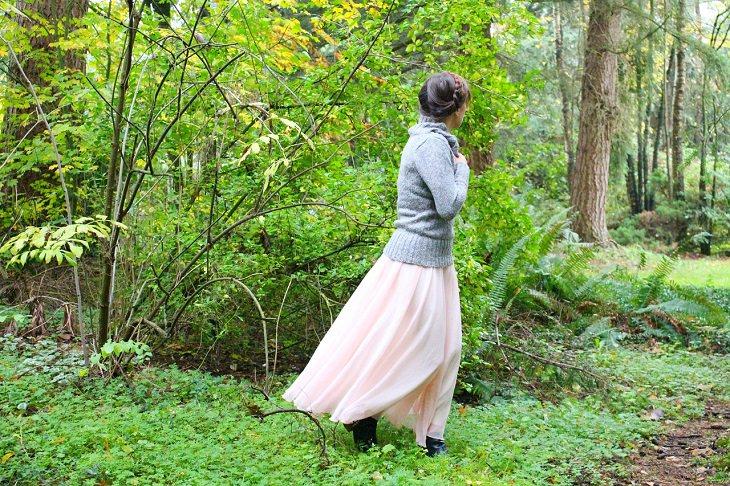 עצות להתמודדות עם דכאון: אישה אבודה ביער