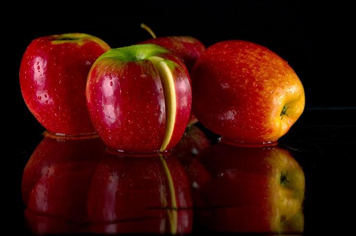 טיפול טבעי לשחמת: ארבעה תפוחים אדומים