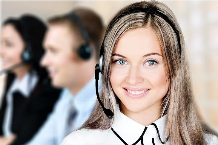 חוקים על שירות מענה ללקוחות: נציגה טלפונית