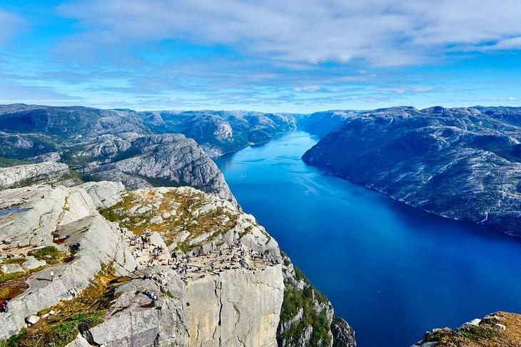 מקומות בנורווגיה: סטוונגר (צוק כס המטיף)