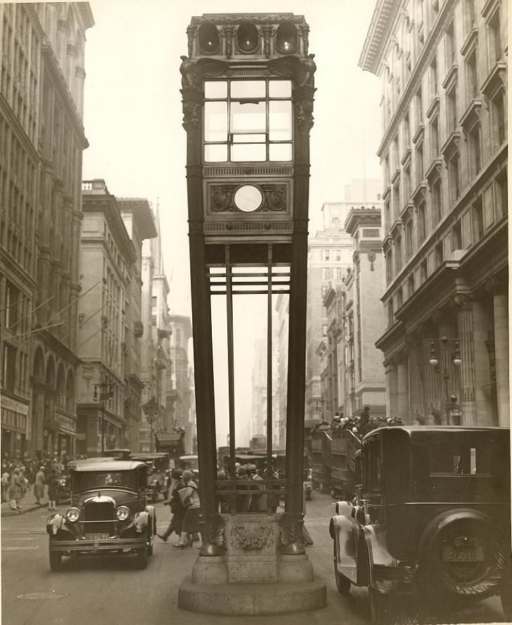 תמונות היסטוריות: רמזור דרכים בניו יורק בשנת 1922