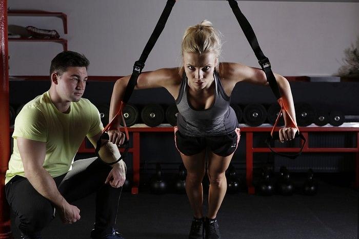 אימון טבטה: זוג מתאמן ביחד