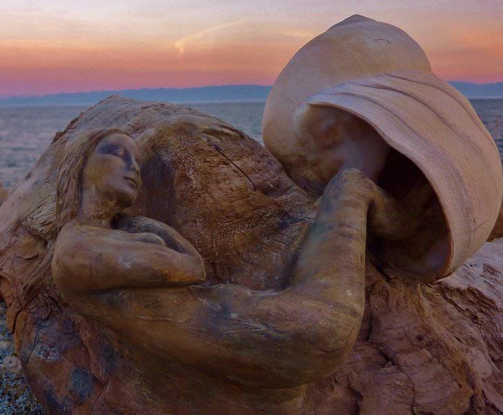 18 פסלי עץ מרהיבים: קונכייה ובת ים עשויים מעץ
