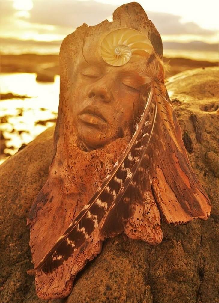 18 פסלי עץ מרהיבים: אישה אינדיאנית מעץ