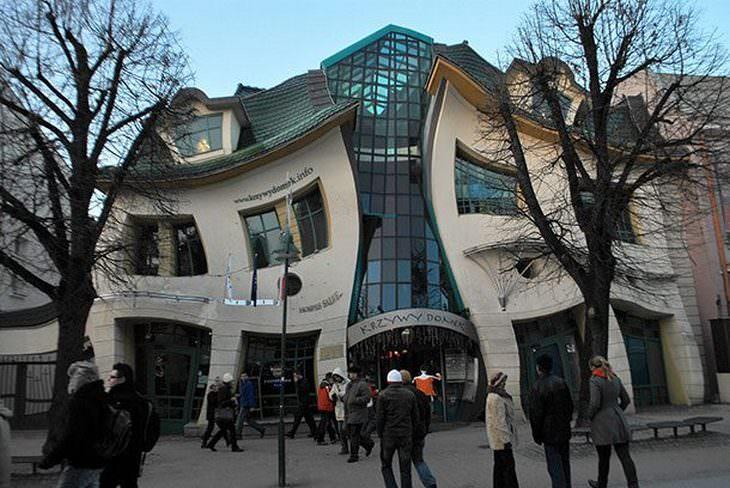 15 מבנים מרשימים מהעולם: הבית המעוקם – סופוט, פולין