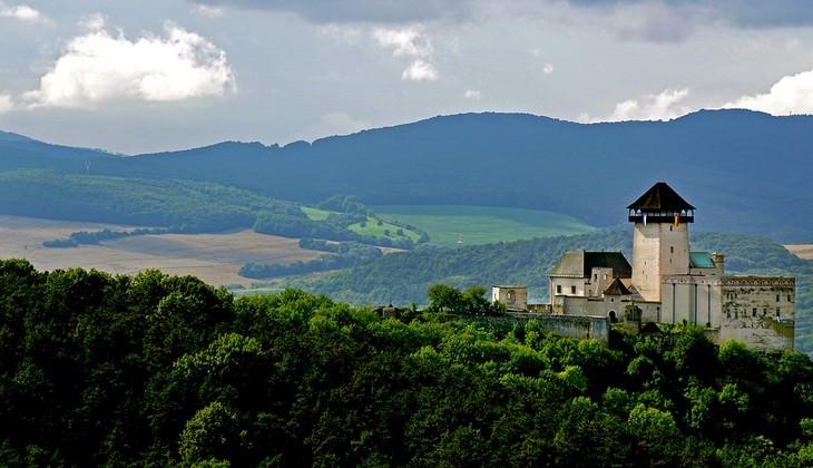 אתרים בסלובקיה: טירת טרנצ'ין