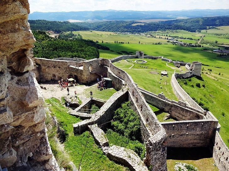 אתרים בסלובקיה: תצפית מטירת ספיש