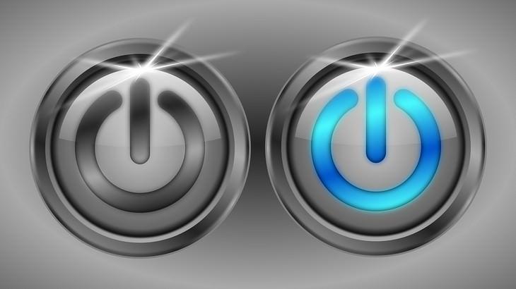 איך לשפר את מהירות האינטרנט: שני כפתורי הפעלה, אחד דלוק ואחד כבוי