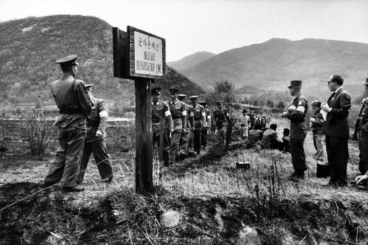 תמונות היסטוריות: הגבול בין צפון לדרום קוריאה, שנת 1960.