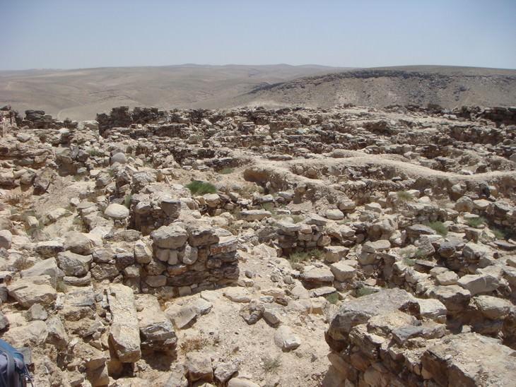 מסלולי טיולים באזור ים המלח: חרבת עוזה