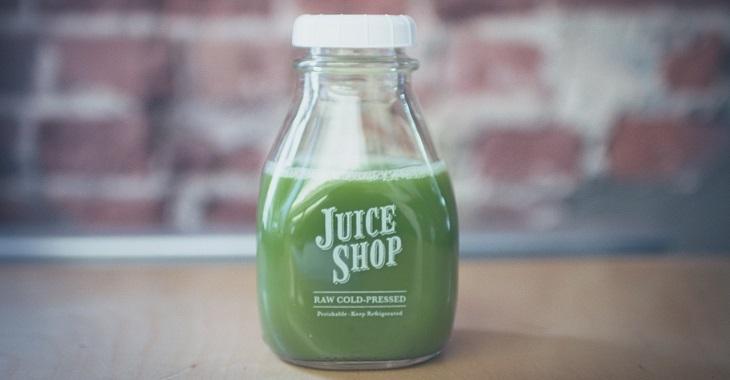 מאכלים בריאים שכדאי למנן: מיץ טבעי בבקבוק