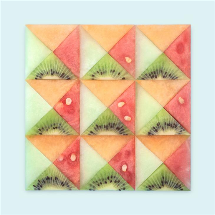 יצירות סימטריות של קריסטן מייר: יצירה סימטרית מחתיכות של פירות