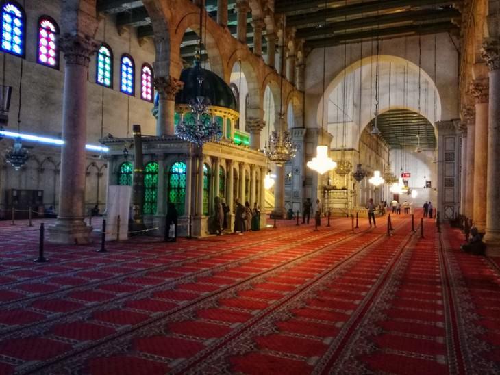 תמונות מסוריה: אולם התפילה במסגד האומיי.