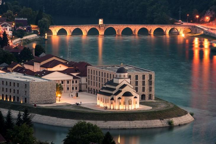 אתרים בבוסניה והרצגובינה: גשר מהמט פשה סוקולוביץ' שבוישגרד