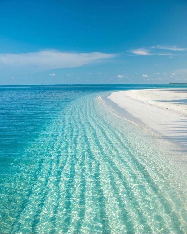 תמונות טבע מדהימות: חוף ים צלול