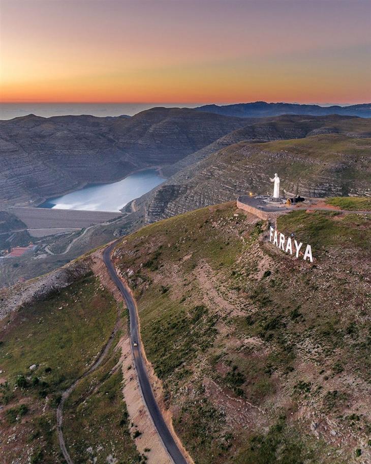 סדרת תמונות של לבנון: פסל שרבל הקדוש, פאראיה