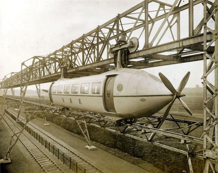 תמונות היסטוריות: רכבת ניסיונית שהומצאה על ידי גורג' בני ונבחנה בסקוטלנד - שנת 1929