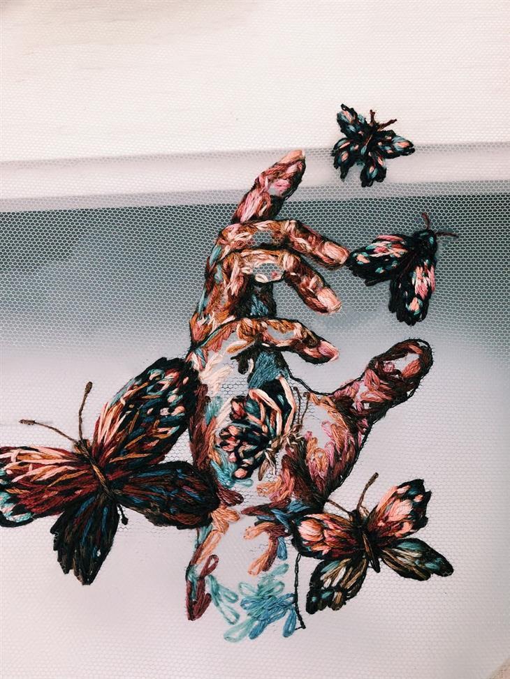 עבודות רקמה מדהימות: יד ופרפרים