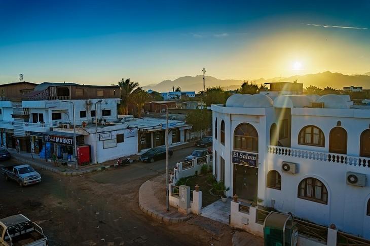תמונות מסיני: בתים בדהאב