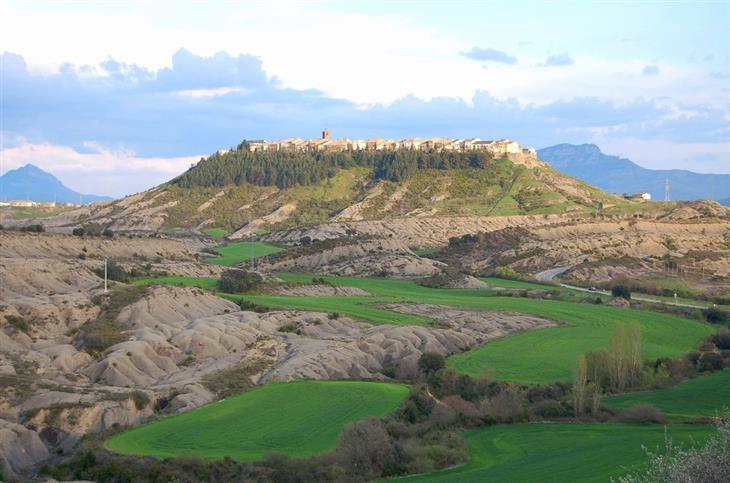 הקהילות האוטונומיות של ספרד: עיירה על הר באראגון