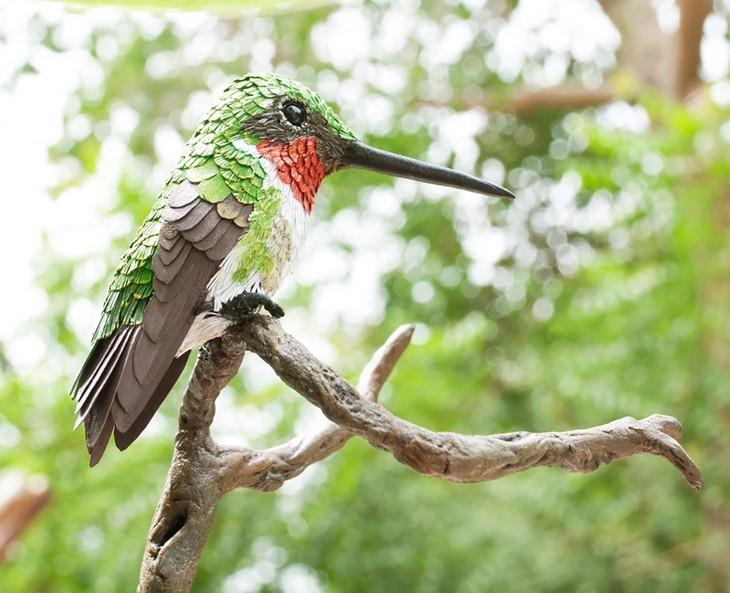 ציפורים בעבודת יד: ציפור צבעונית מנייר
