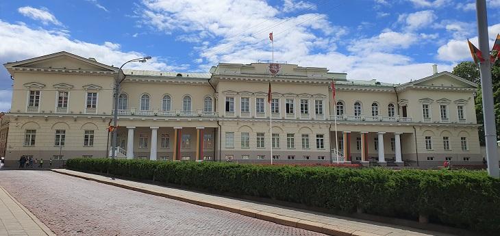 אטרקציות בוילנה: חזית הארמון הנשיאותי