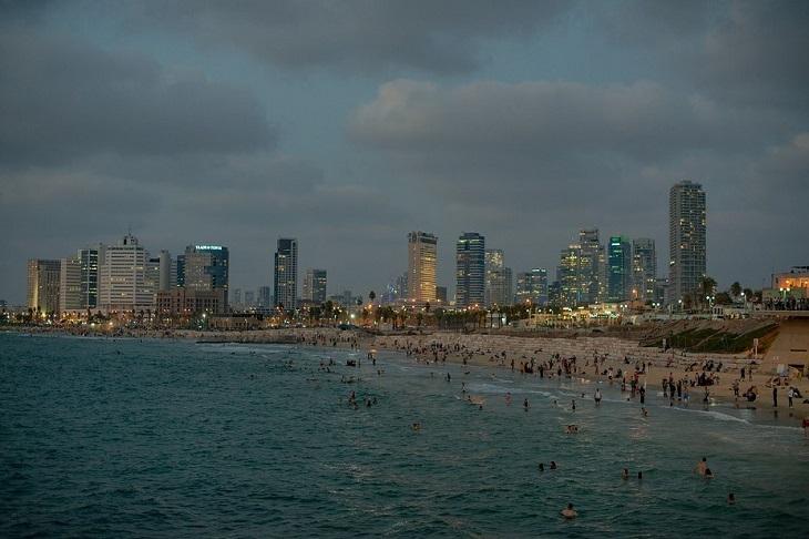 אתרים היסטוריים נגישים בתל אביב: שפת הים של תל אביב