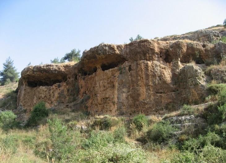 מסלולי טיול בהרי ירושלים: מערות חלילים