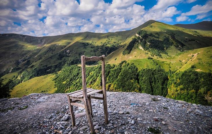 טיול ג'יפים בגאורגיה: כיסא על הר