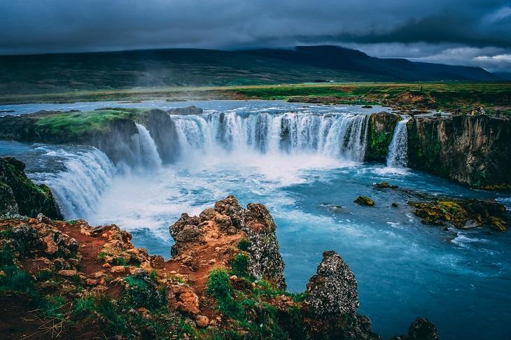 שמות באיסלנד: מפל מדהים