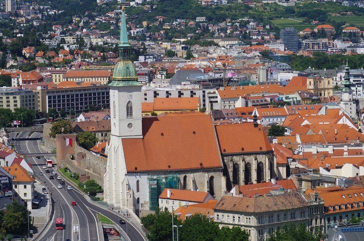 אטרקציות בברטיסלאבה: קתדרלת סנט מרטין